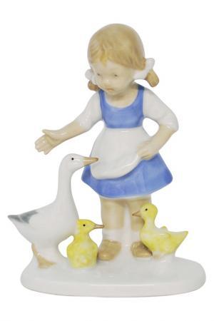 Фигурка Девочка с гусями Thuringen. Цвет: белый