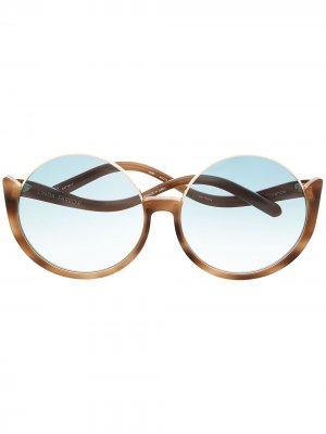 Солнцезащитные очки в круглой оправе Linda Farrow. Цвет: коричневый