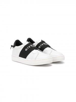 Кеды с эластичным ремешком и логотипом Givenchy Kids. Цвет: белый