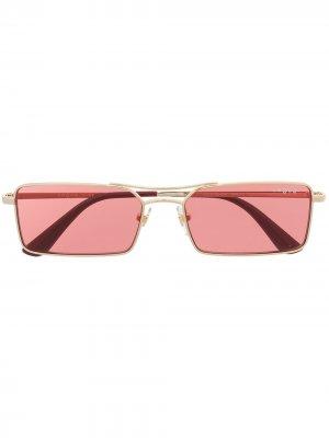 Солнцезащитные очки в прямоугольной оправе с затемненными линзами Vogue Eyewear. Цвет: красный