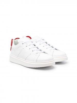 Кроссовки на шнуровке Simonetta. Цвет: белый