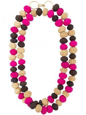 Длинное многослойное ожерелье из бус Carolina Herrera. Цвет: розовый