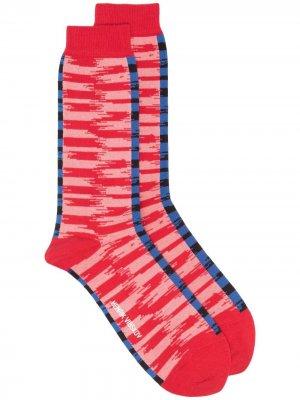 Носки с абстрактным узором HENRIK VIBSKOV. Цвет: синий