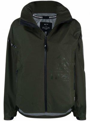 Легкая куртка на молнии adidas. Цвет: зеленый