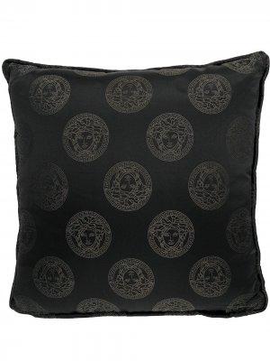 Подушка с узором Medusa Versace Home. Цвет: черный