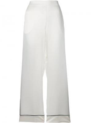 Брюки в пижамном стиле с контрастной окантовкой Asceno. Цвет: белый