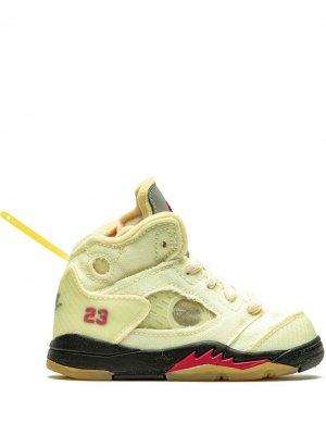 Кроссовки Air  5 из коллаборации с Off-White Jordan. Цвет: нейтральные цвета