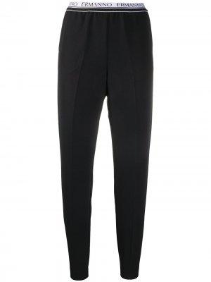 Укороченные брюки с логотипом на поясе Ermanno. Цвет: черный