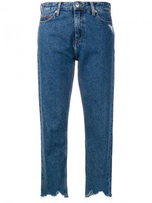 Укороченные джинсы кроя слим Tommy Jeans. Цвет: синий