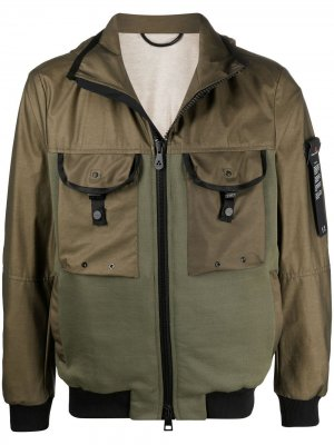 Легкая куртка со вставками и капюшоном Peuterey. Цвет: зеленый