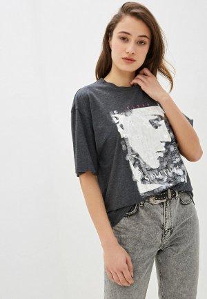Футболка Guess Jeans. Цвет: серый