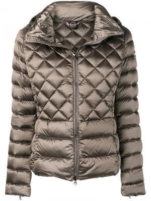 Стеганая приталенная куртка Colmar. Цвет: коричневый