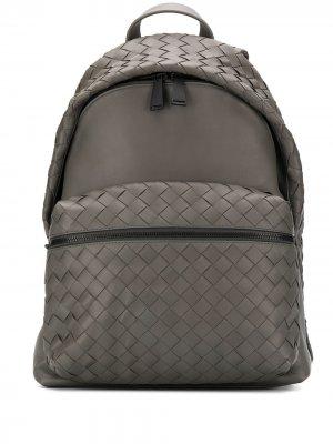 Рюкзак с плетением Intrecciato Bottega Veneta. Цвет: серый